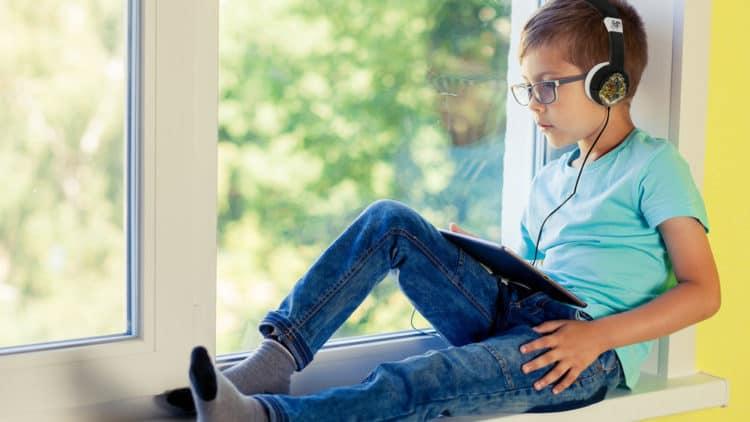Entérate de los 15 mejores audiolibros para niños